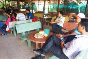 Thưởng thức trà mật ong - Du lịch Bến Tre Tiền Giang