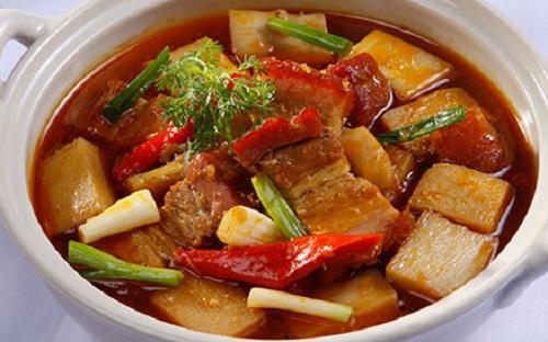 Thịt heo kho nước dừa - Đặc sản Bến Tre
