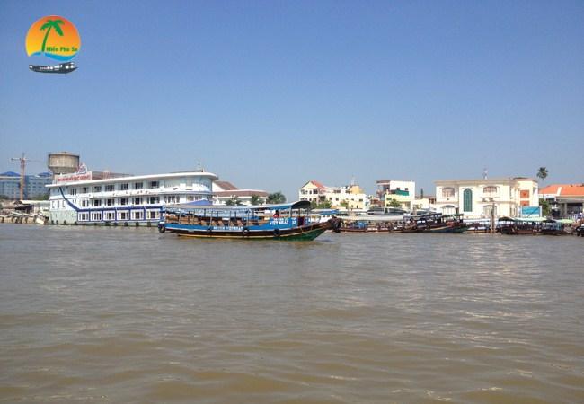 Bến Tàu 30 - 4 - Du lịch Tiền Giang