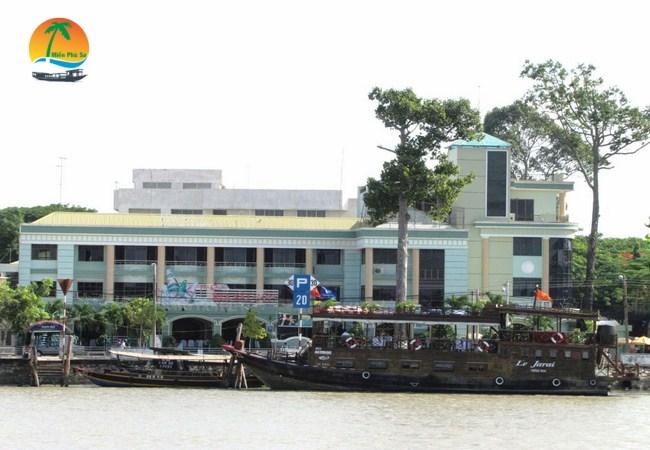 Khách sạn Hùng Vương - Du lịch Bến Tre