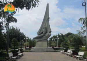 Tượng Đài Tết Mậu Thân - Du lịch Tiền Giang
