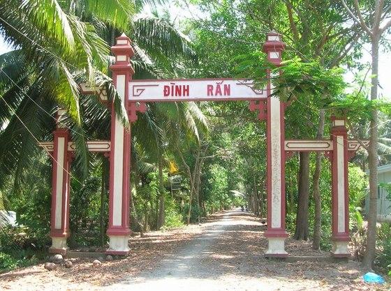 Đình Rắn, xã Định Thủy