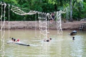 Trò chơi dân gian tại sân chim Vàm Hồ