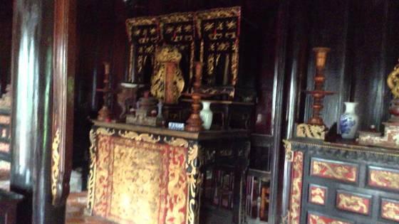 Bên trong lăng mộ Hoàng Gia Gò Công Tiền Giang