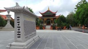 Lầu chuông Thiền viện Trúc Lâm Chánh Giác Tiền Giang